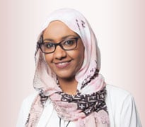 الدكتورة عزة